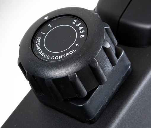 The BodyCraft VR400 Pro manual resistance control